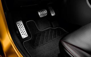 Педали в машине — расположение и принцип действия