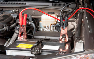 Как прикурить автомобиль от другого автомобиля — пошаговая инструкция