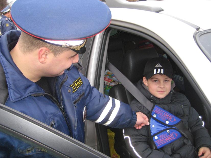 Перевозка детей на переднем сиденье - правила и штрафы