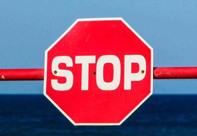Знак стоп ПДД - где нужно останавливаться и какие штрафы за нарушение?